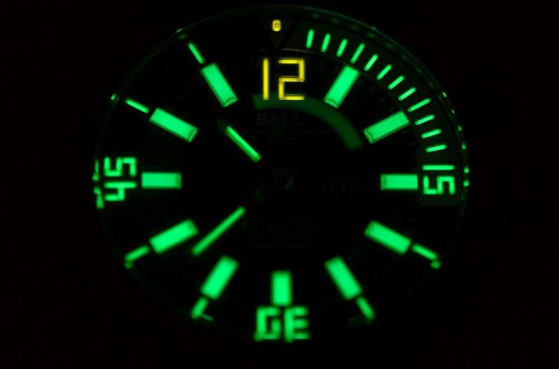 Gaseous Tritium Light Source Clock Review