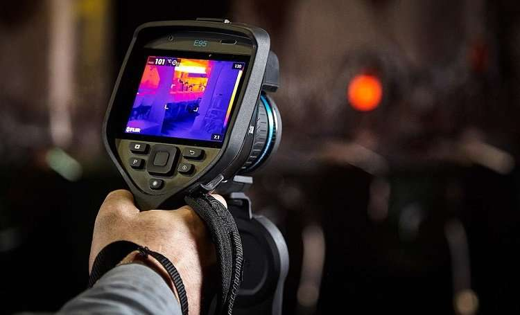 Holding Thermal Imager